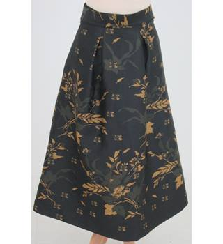 NWOT: M&S Collection: Size  6: Black & gold floral print skirt with belt