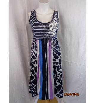GREAT SUMMER DRESS FROM OUI, SIZE 8 Oui - Size: 8 - Multi-coloured