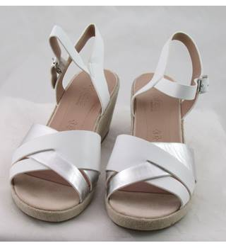 NWOT M&S Collection, size 7 white & silver wedge heeled sandals