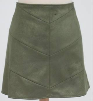 NWOT: M&S Collection: Size 16:  Green chevron mini skirt