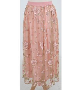 NWOT: M&S Collection: Size 14: Pink floral design lace and metallic skirt