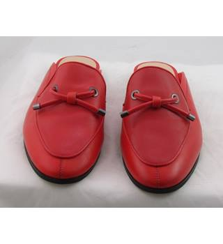 NWOT Autograph, size 4 red leather mules