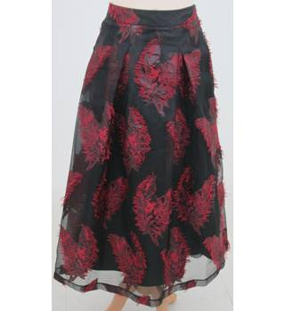 NWOT: M&S Collection: Size 16: Black & red feather design skirt