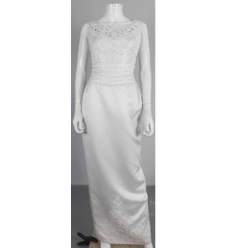 Vintage Circa 1990's Lovely La Sposa Size: 10 White Embroidered Wedding Dress