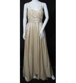 BNWT -  Wtoo - Size: 8 - Beige - Full length prom/bridesmaid dress