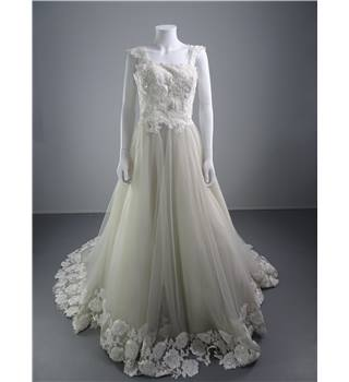 Intuzuri Size 10 Modern Dark Ivory Tulle Ballgown with White Floral Sequin and Applique Detail
