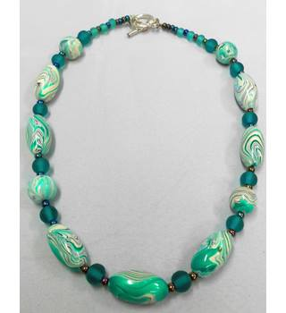 Green & White Beaded Necklace