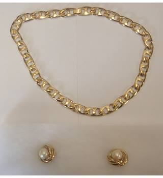 Necklace, gold plate, earrings, artificial pearl and gold plate Unbranded - Size: Medium - Metallics - Necklace