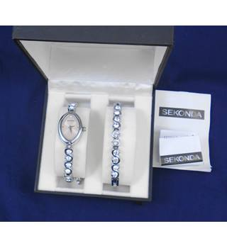 BNWT Sekonda Ladies Watch and Bracelet