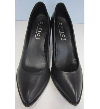 NWOT Office - Size: 8 - Black Leather - Court shoes