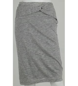 KENDALL & KYLIE Grey Stretch Knee-Length Skirt Size S