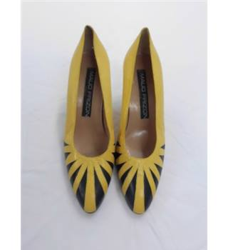 Maud Frizon , size 3 yellow court shoes
