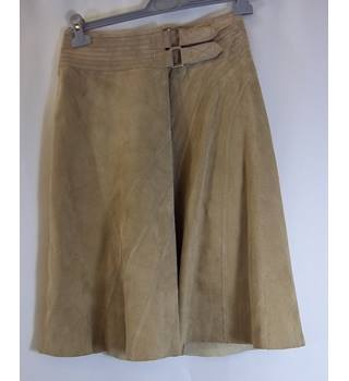 Warehouse - Size: 8 - Beige Skirt