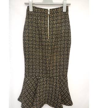 M&S Per Una Women's Skirt, size 6 M&S Marks & Spencer - Size: 6 - Black - Calf length skirt