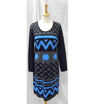 BNWT Madeleine Size 14 Black, Blue and Grey Geometric Patterned Jersey Dress