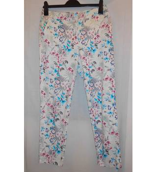Warehouse - Size: 10 - White with Blue, Grey and Red Floral Pattern Trousers