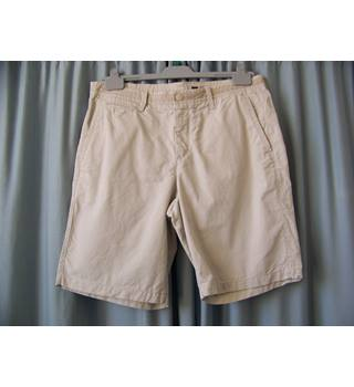 Gap - Size: Medium - Beige - Cargo shorts