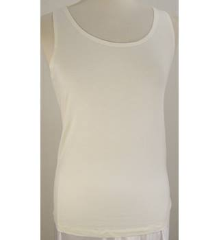 M&S Marks & Spencer - New, Size: 18 - cream - Silky Thermal vest/top