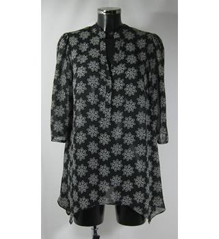 M&S Portfolio - Size 12 - Black with White Floral Pattern Top
