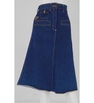 Lois Size 8 Denim A line Skirt