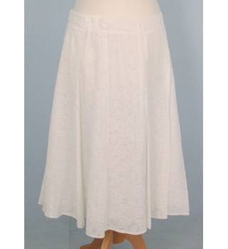 NWOT: M&S Classic: Size 16: Winter white a-line skirt