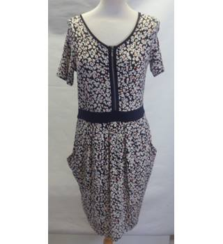 M&S Size 8 Floral Print Knee Length Dress