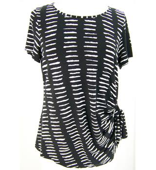 Per Una - Size: 18 - Black/white - Short Sleeved Top