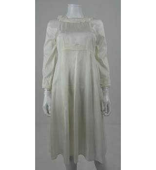 Vintage 1930's Unbranded Size: 10 Cream Handmade Long Dress