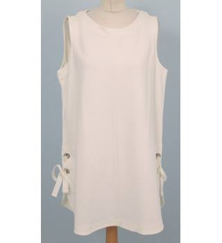 NWOT: Autograph:  Size 18: Ivory tunic top with side metal ring closure