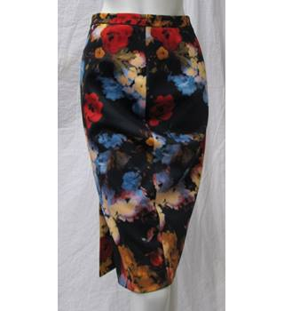 Pepperberry - Size: 8 - black with red/blue/orange floral skirt