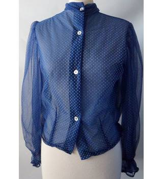 Fleur Thoughts Size: 8 Blue with White Dots Blouse
