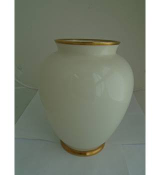 Lindner Kueps- Medium Size -  Vase