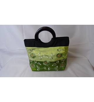 VERY PRETTY GREEN/BLACK EMBROIDERED HANDBAG Unbranded - Size: S - Green - Handbag