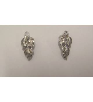 Avon silver plated brooches in box Avon - Size: Small - Metallics