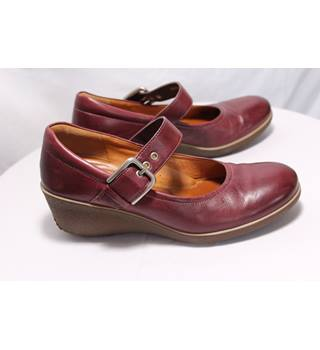 Ecco Maroon Heeled Leather Pumps Size 6.5 Ecco - Size: 6.5 - Burgundy - Heeled shoes