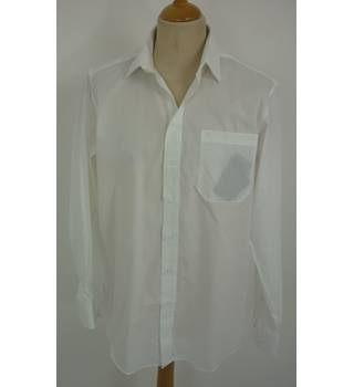"BNWT Austin Reed  Size: L, 44"" chest, 16.5"" Collar  Bright White Smart/Stylish ""Quick Iron"" Cotton Long Sleeved Designer Shirt"