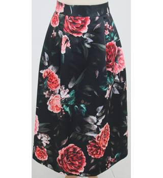 NWOT M&S Collection Size:16 - Black floral skirt