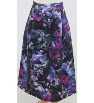 NWOT M&S Collection Size: 20 - Navy floral skirt