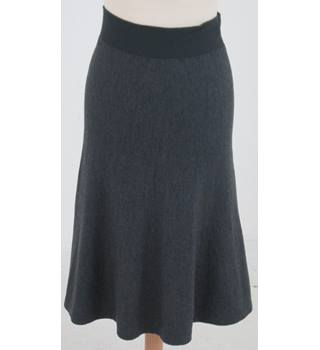 D. Exterior - Size: XS - Grey knitted A-line skirt