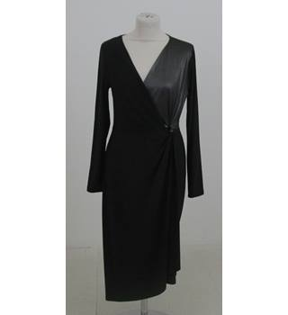 NWOT M&S Size:10 black long-sleeved dress