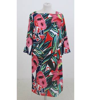 NWOT M&S Collection Size:10 red & green mix floral dress