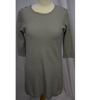 Black and White striped top size 12 Unbranded - Size: 12 - Multi-coloured