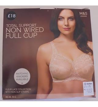 M&S Marks & Spencer - New, Size: 42C - Almond, non-wired support - Bra