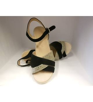 NWOT Footglove, size 7 black mix wedge heeled sandals