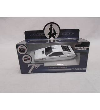 BNIB CORGI 007 JAMES BOND LOTUS ESPRIT UNDERWATER - CC04512