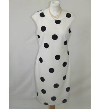 SuperStition White and Black Dress Superstition - Size: 12 - Multi-coloured - Sleeveless