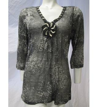 Per Una Top with Beaded Detailed Collar Size 16 Per Una - Size: 16 - Grey