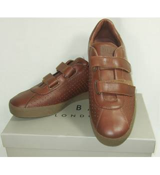 BNIB Ted Baker - Size: 10 - Brown - Loafers