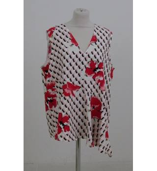 NWOT M&S Size:18 white & red tunic top