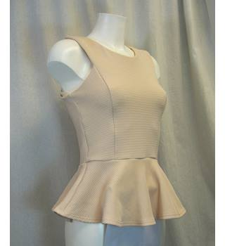 Internacionale - Size: 12 - Cream / ivory - Sleeveless top